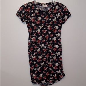 Wet seal fitted dress w/ flowers